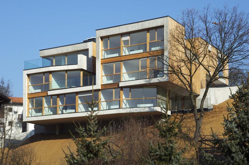 Arhitektura Krušec: Skalni vili s pogledom na Celje